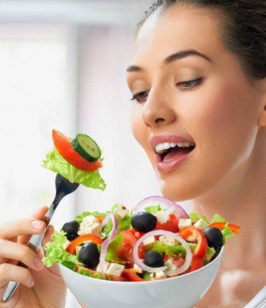 woman-eating-fresh-salad